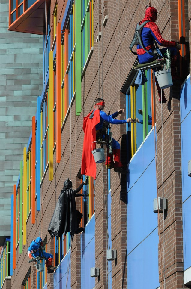 Heroic everyday window washers at a children's hospital in Pittsburgh