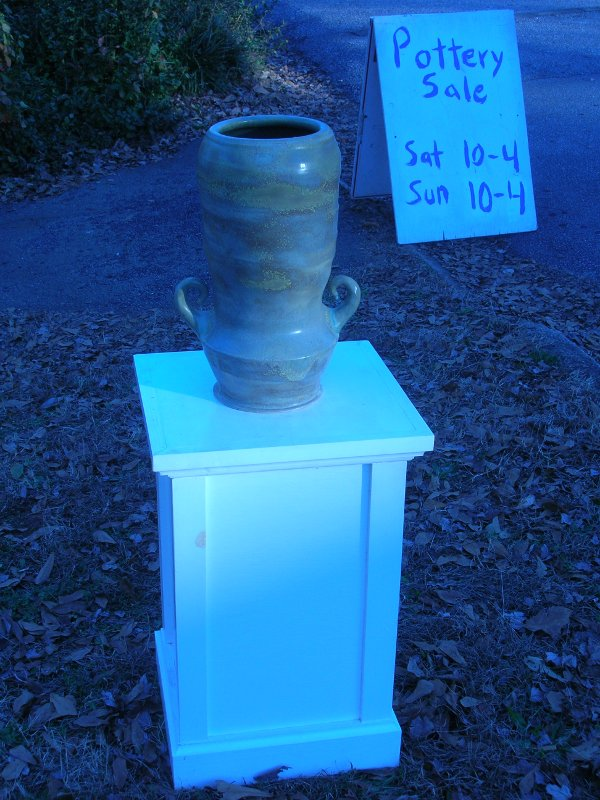 The scene recreated with the brother pot to the one that went missing. Is it likely that this 'pot on a pedestal' was confused with the regular curbside freebies?